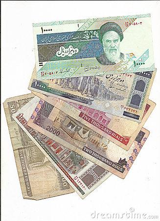 iran-money-rials-15220315