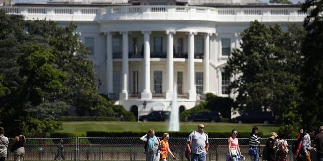 160520200628_white_house_lockdown_shooting_may20_2016_640x360_epa